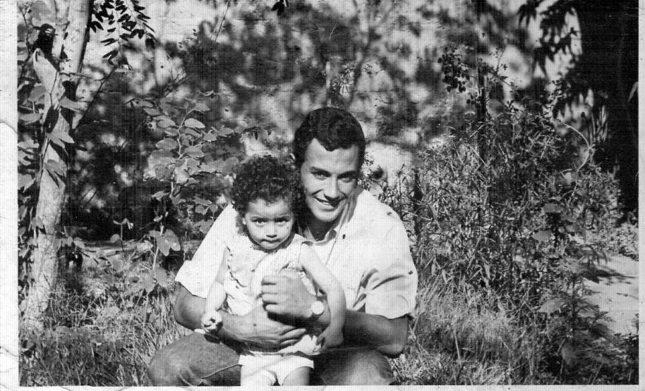 Marcelo y su hija Lilia Concha Carreño a fines de los años '60, en Macul.