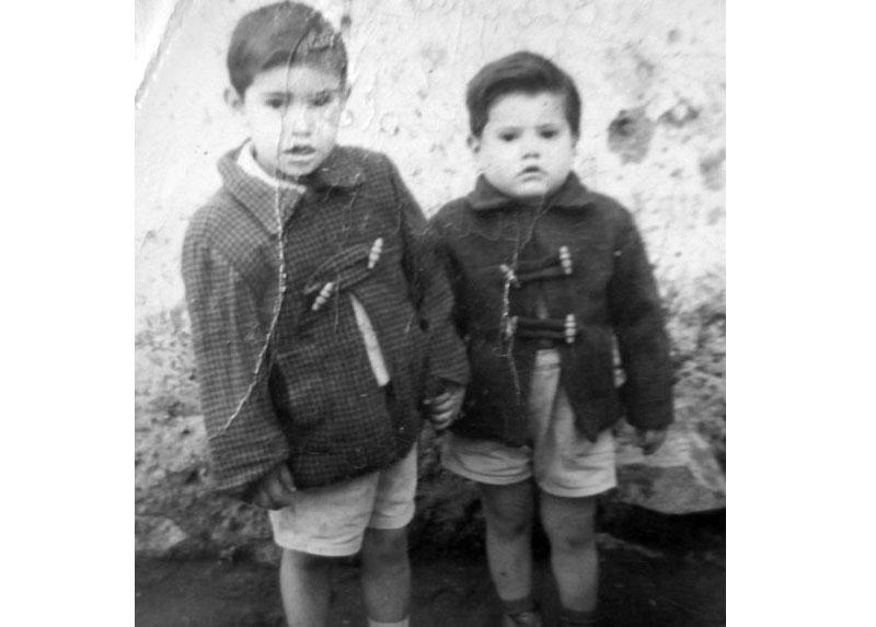 Marcelo y David de 5 y 3 años, Santiago