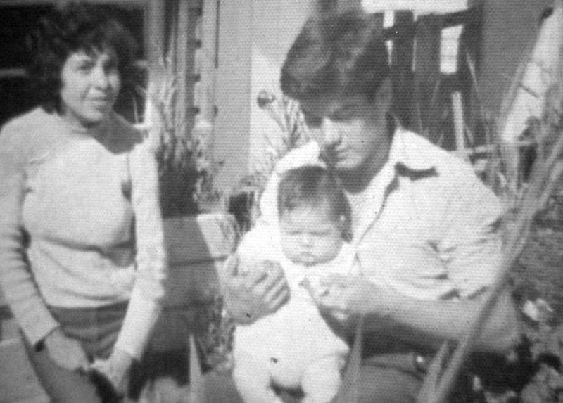 María Cristina Vicencio y Marcelo con su sobrino Eduardo, en Viña del  Mar año 1976.