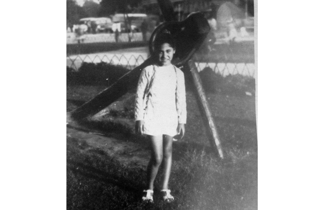 Marisol a los ocho años en el Parque Forestal,  Santiago, 1970.