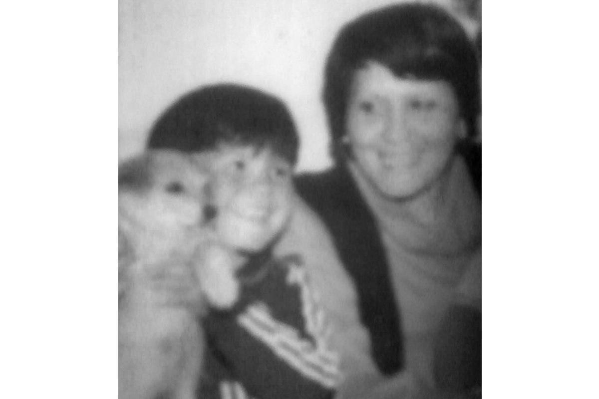 Margarita y su hijo Víctor, aproximadamente en 1979.