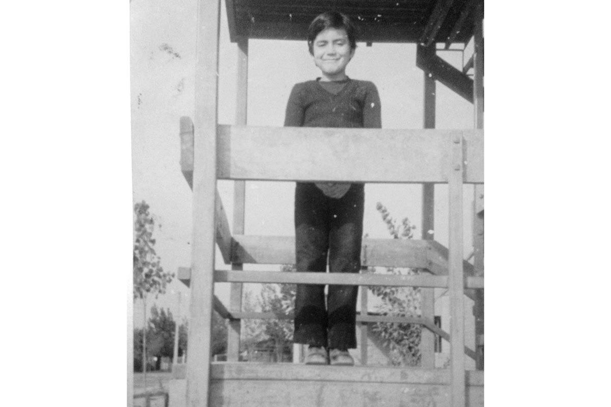 Isidro a los 9 años en su barrio. Santiago, 1977.