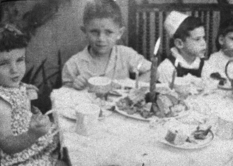 Jorge y amigos en su cumpleaños, años '50- '52, Santiago.