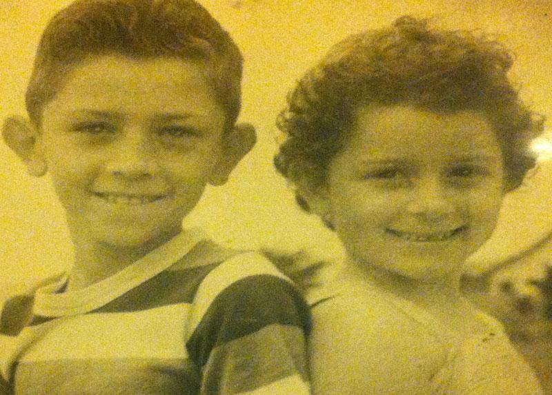 Jorge y su hermana Sonia en San Sebastián, años '50.