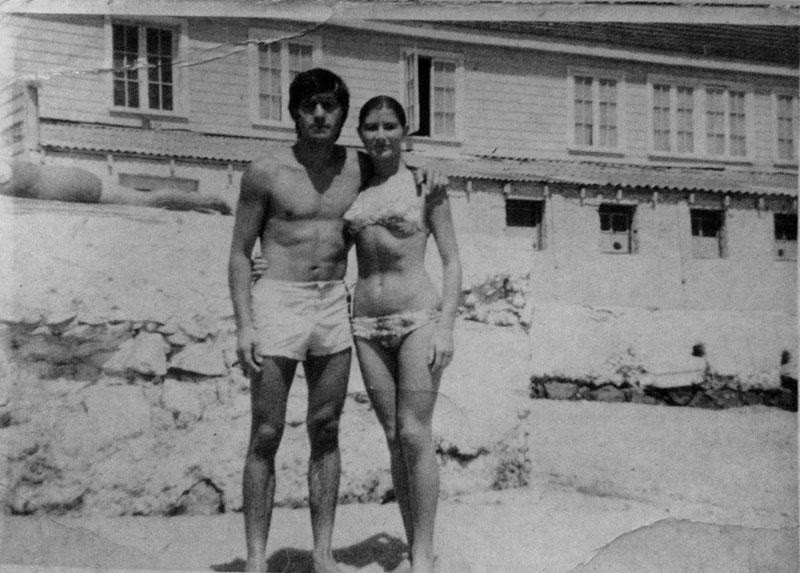 Alfredo y Silvia en la playa Recreo, Viña del Mar. Verano de 1970.