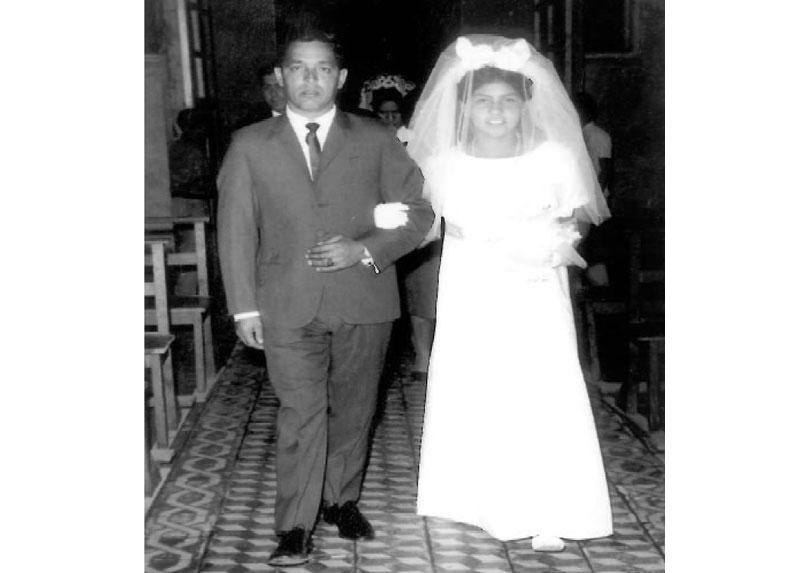 Humberto, acompañando como padrino a una de sus primas en su matrimonio. Los Andes, aproximadamente el año 1960.